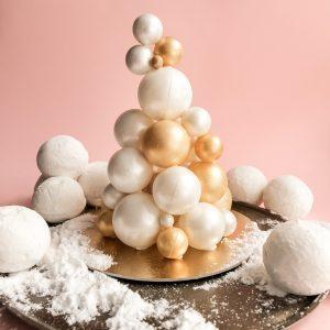 White chocolate Christmas tree